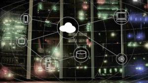Zu sehen ist die grafische Darstellung eines Cloud-Netzwerkes. Bild: Pixabay/Wynn Pointaux