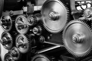 Beim Reverse Engineering wird ein Produkt in alle Einzelteile zerlegt
