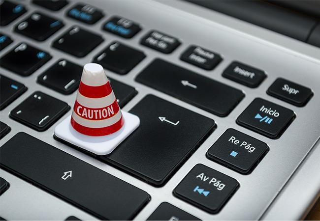 Das Bild zeigt eine Tastatur als Vorsicht für Unternehmer auf die DSGVO Rücksicht zu nehmen. Bild: Pexels/Fernando Acros