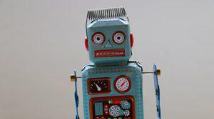 Das Bild zeigt einen Bot, der symbolisch für einen Bot innerhalb eines Botnet stehen soll. Bild: Unsplash/Rock'n Roll Monkey
