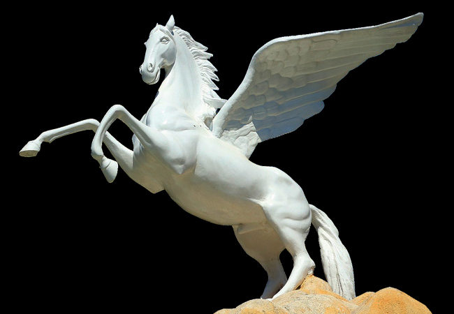 Zu sehen ist die Statue eines geflügelten Pferdes. Es verweist auf die griechische Mythologie, an die der Name der Pegasus-Software angelehnt ist. Bild: Pixabey/Montage IT-SERVICE.NETWORK